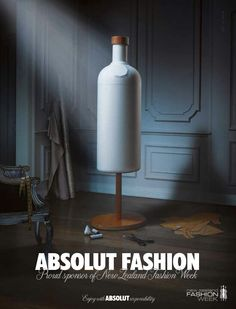 """El estilo que decanta la marca de vodka, Absolut, en su publicidad, es una gran #solucion para estar presente en la mente de los consumidores. La idea fue crear un conjunto de gráficas donde la mente de cada persona vea una botella de sus productos en una imagen donde no está perfectamente definida. Además, juega con las palabras para agregarle ciertos adjetivos a su slogan """"Absolut ....."""""""