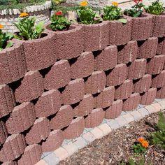 Retaining wall ideas – concrete planters as a supporting structure in garden Retaining Wall Design, Stone Retaining Wall, Retaining Walls, Concrete Planters, Garden Planters, Concrete Garden, Garden Structures, Garden Paths, Small City Garden