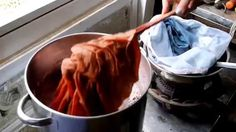 エシカルヘンプ茜染め by 染色家 飯塚優子 @ぷにの家 Natural dyeing on ethical hemp textile at T...