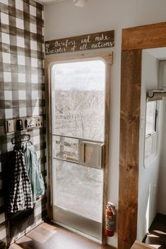 Living in an RV is such an amazing thing to do, right? When you need to makeover your RV interior, you can consider farmhouse style. Bungalows, Happy Campers, Rv Living, Living Spaces, Tiny Living, Living Room, Mobile Living, Gypsy Living, Rustic Farmhouse