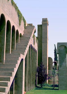 50a47d32b3fc4b263f000011_the-factory-ricardo-bofill_ricardo_bofill_taller_arquitectura_santjustdesvern_barcelona_spain_outdoorspaces_-7-