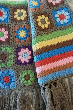 Daisy granny scarf. I like the joining method!  Also there is a blanket here that is beautiful!