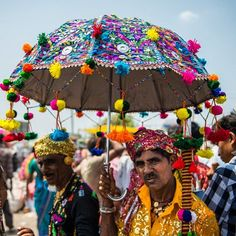 «The Tarnetar Mela(fair) covers a large part of the Tarnetar village in Gujarat, India, with a huge number of stalls put up to sell beautiful local…»