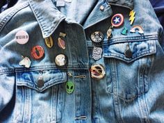 I want to wear a jean jacket with so many pins, like some sort of badass ace sunshinepunk! Phoebe Buffay, Chandler Bing, Rachel Green, Womens Fashion Online, Latest Fashion For Women, Andre Harris, Young Avengers, Tori Vega, Ms Marvel