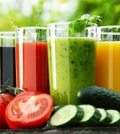 How to make detox smoothies. Do detox smoothies help lose weight? Learn which ingredients help you detox and lose weight without starving yourself. Smoothie Vert, Smoothie Detox, Juice Smoothie, Smoothie Recipes, Juice Recipes, Drink Recipes, Dietas Detox, Detox Foods, Sports Nutrition