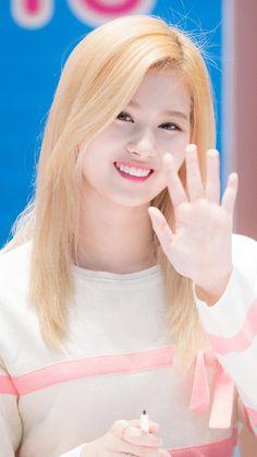 Kpop Girl Groups, Korean Girl Groups, Kpop Girls, Anime Girls, Sana Cute, Singer Tv, Sana Minatozaki, Twice Once, Twice Sana