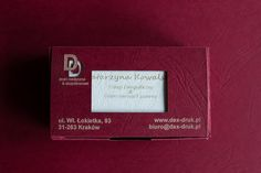 Wykonujemy wizytówki drukowane jak i grawerowane laserowo w papierze lub drewnie: http://www.drukimedyczne.pl/pl/i/Wizytowki/20 Wizytówki pakujemy w eleganckie, papierowe pudełka. info@dex-druk.pl www.dex-druk.pl