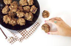 Biscuits vegan et sans gluten aux noisettes (farines de riz et de châtaigne, banane, purée d'amande, sucre, lait d'amande, noisettes)