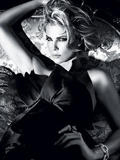 CHARLIZE THERON   photo | Charlize Theron.