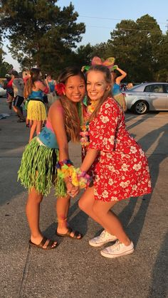 High School Football Games, Football Themes, Football And Basketball, School Sports, Basketball Games, School Fun, School Dresses, Hoco Dresses, Beach Day Outfits