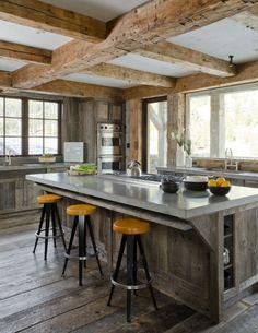 moderne landhausküchen design wandschrank holz ziegel | Küche ... | {Landhausküchen holz modern 27}