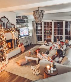 A Cozy Couch for our Big Family! - Cotton Stem A Cozy Couch for our Big Family! – Cotton Stem Source by Christmas Living Rooms, Cozy Living Rooms, Home Living Room, Living Room Designs, Living Room Decor, Cozy Family Rooms, Apartment Living, Apartment Cleaning, Farmhouse Christmas Decor