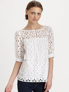 lengthened into a short dress maybe? Kurta Designs, Blouse Designs, Lace Top Dress, Blouse Dress, Clothing Patterns, Dress Patterns, Uniqlo Women Outfit, Dressy Casual Outfits, Kurti Embroidery Design
