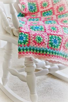 Transcendent Crochet a Solid Granny Square Ideas. Inconceivable Crochet a Solid Granny Square Ideas. Crochet Granny Square Afghan, Crochet Quilt, Crochet Blocks, Crochet Squares, Love Crochet, Crochet Blanket Patterns, Baby Blanket Crochet, Crochet Stitches, Crochet Baby