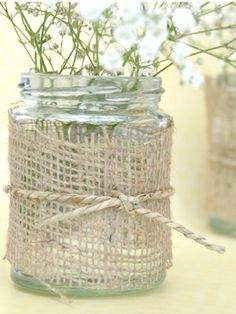 Rustic style hessian fabric to decorate your wedding table centrepiece, place settings, mason jars and other wedding party details.