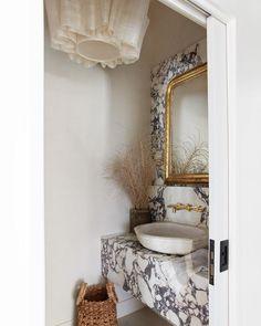 Bathroom Design Inspiration, Bathroom Interior Design, Home Decor Inspiration, Interior Decorating, Sunday Inspiration, Decor Ideas, Powder Room Decor, Powder Room Design, Powder Rooms