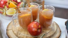 Easy slow cooked apple cider recipe even your kids will love. Fall Dishes, Thanksgiving Side Dishes, Thanksgiving Recipes, Holiday Recipes, Apple Cider Drink, Spiced Apple Cider, Spiced Apples, Slow Cooking, Marilyn Denis Recipes