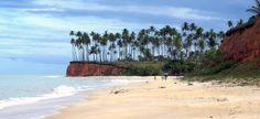 No extremo sul da Bahia, perto de Cumuruxatiba, está a Praia da Barra do Cahy. A praia é conhecida por ser o lugar que Nicolau Coelho, navegador português, desembarcou ao chegar no Brasil. A praia praticamente não conta com estrutura própria, o que a torna ainda mais encantadora e selvagem.