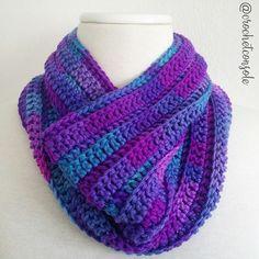 Lo maravilloso del crochet es la cantidad de posibilidades que Scarves, Knitting, Allergies, Anime, Fashion, Crochet Necklace, Handmade Bags, Long Scarf, Necklaces