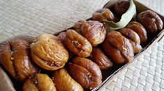 Dried figs filled by walnuts or almonds Chocolate Festival, Dried Figs, Almonds, Pretzel Bites, Sausage, Bread, Sausages, Almond Joy, Breads