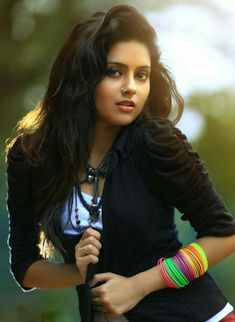 Mahima Nambiar aka Gopika is a South Indian actress, who predominantly appearing in Tamil and Malayalam movies, born on December 1988 in Kasaragod, Kerala. Beautiful Girl Indian, Beautiful Girl Image, Most Beautiful Indian Actress, Simply Beautiful, Gorgeous Women, Cute Beauty, Beauty Full Girl, Beauty Women, Desi Girl Image