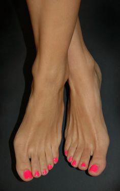 Milf ashley p thomas pink toenails