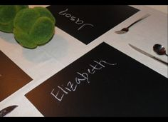 13 Ways To Make Your Own Placemats - chalkboard placemats plus more!