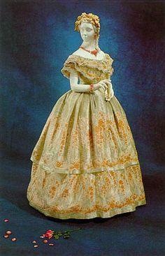 Robe de 1860                                                                                                                                                                                 Plus