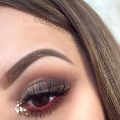"Polubienia: 1,710, komentarze: 46 – Makeup By Kayleen 💕🌟🔪 (@kayleen_beauty) na Instagramie: ""Classy 🌸😎 Show Some love and tag 🌟 LASHES• @beautylashespl 💕#holly •EYE• #rosegold #hudabeauty…"""