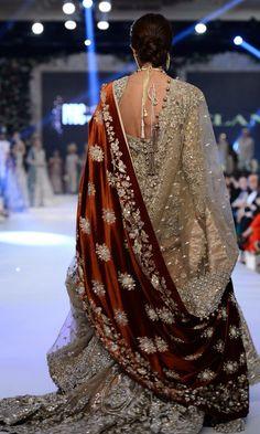 Love this draping of two dupattas // Elan Pakistani Wedding Dresses, Pakistani Outfits, Indian Dresses, Indian Outfits, Bridal Dupatta, Pakistani Bridal Wear, Indian Bridal Fashion, Bridal Outfits, Bridal Dresses