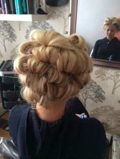 pin curl blowdry
