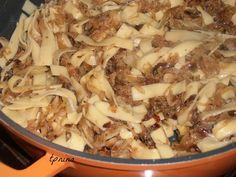כרוב עם אטריות - קְרוֹאֵט פלֵצלַאך: תפוז בלוגים Pasta Dishes, Recipies, Pork, Food And Drink, Chicken, Meat, Blog, Recipes, Pork Roulade