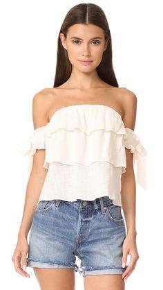 109772f59d Compra Top hombros descubiertos de mujer color beige de MISA al mejor  precio. Compara precios de tops de tiendas online como Shopbop - Wossel  España