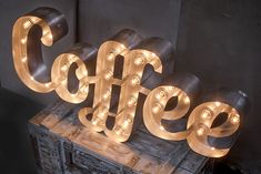 Декоративные буквы и вывески от RetroBlock