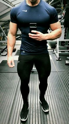 Phenomenal Every Man Needs To Know To Stay Healthy Ideas - Health In Men 8 years worth of confident, masculine men in spandex and lycra training gear. Moda Academia, Gym Outfit Men, Gym Guys, Mein Style, Tumblr Outfits, Gym Style, Gym Wear, Sport Wear, Muscle Men