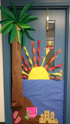 "Summer Theme Classroom Door Decoration Tropical | î´î¹î±îºïŒïƒî¼î·ïƒî· ï""î±î¾î·ï' Preschool Classroom Themes, Kindergarten Door, Classroom Door, Toddler Classroom, Preschool Decor, Classroom Decor Themes, Classroom Bulletin Boards, Summer Door Decorations, Teacher Door Decorations"