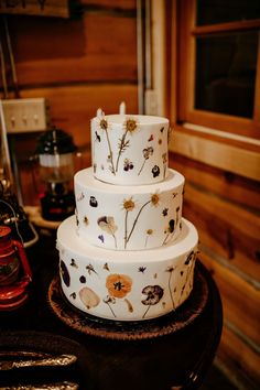 How cute is this watercolor cake design for a modern wedding? The muted tones and hand painted detail was perfect for the alternative bride and groom. Watercolor Cake, Watercolor Wedding, Burgundy Colour Palette, Brides With Tattoos, Woodsy Wedding, Alternative Bride, Camping Theme, Floral Cake, Drip Cakes