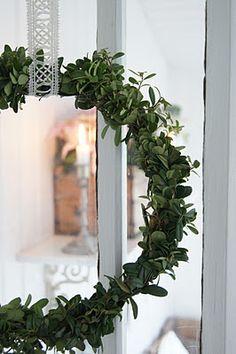 diy idea:  make a garland/pretty ribbon