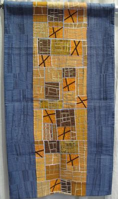 Pro und Kontra by Martina Hilgert-Vervoort.  Photo by The Plaid Portico.  2015 Pacific International Quilt Festival.
