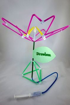 Strawbees Hydraulic Flower : 5 Steps (with Pictures) - Instructables Source by elvitapita clothing Stem Science, Easy Science, Science For Kids, Stem Projects, Science Projects, Projects For Kids, Stem Learning, Project Based Learning, Steam Activities