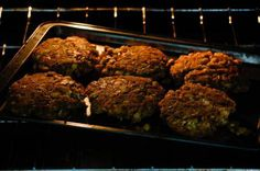 Hamburgers patties can be made with numerous different cuts of meat and using different methods of cooking. Common cooking methods for hamburger patties include grilling, broiling and pan frying. …