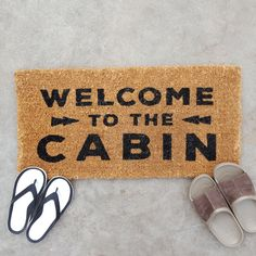 This extra long doormat is perfect for keeping the cabin floor clean and also welcoming guests. The natural coir fibre helps clean your shoes and the mat is easily shaken, brushed, or vacuumed clean. 79.5cm x 40cm (31″ x 15.7″) 100% coir fibre