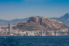 Alicante from the sea on Fotopedia