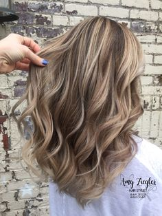 6 Great Balayage Short Hair Looks – Stylish Hairstyles Hair Color Balayage, Blonde Balayage, Hair Highlights, Full Highlights, Brown Hair With Highlights And Lowlights, Natural Highlights, Lace Front, Brown Blonde Hair, Blonde Honey