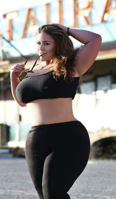 london andrews bbw at DuckDuckGo Curvy Plus Size, Plus Size Girls, Modelos Fitness, Modelos Plus Size, Big Girl Fashion, Plus Size Beauty, Voluptuous Women, Beautiful Curves, Beautiful Body
