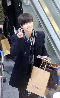 Yg Entertainment, Airport Style, Jinyoung, Kpop, Boys, Cute, Baby Boys, Kawaii, Senior Boys