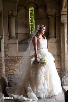 5aceea6f7b77 Vera Wang, , Diana Organza Size 4 Wedding Dress For Sale | Still White  Canada