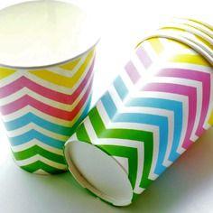 Lot de 12 verres papier chevrons multicolore 9,3 x 7,5 cm