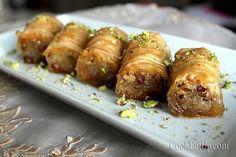 saragli-2 Greek Sweets, Greek Desserts, Greek Recipes, Catering Food, Mediterranean Recipes, Sausage, Deserts, Paleo, Sweet Home
