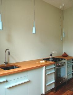 Kitchen design Een Paar Ontwerpers, Lamp&Socket design Studio Lotte Douwes Lamp Socket, Kitchen Design, Kitchen Cabinets, Studio, Home Decor, Light Fixtures, Decoration Home, Design Of Kitchen, Room Decor